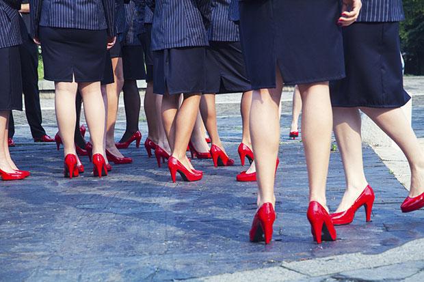 แนวทางการใส่ถุงเท้ายาว ถุงน่องไปทำงาน