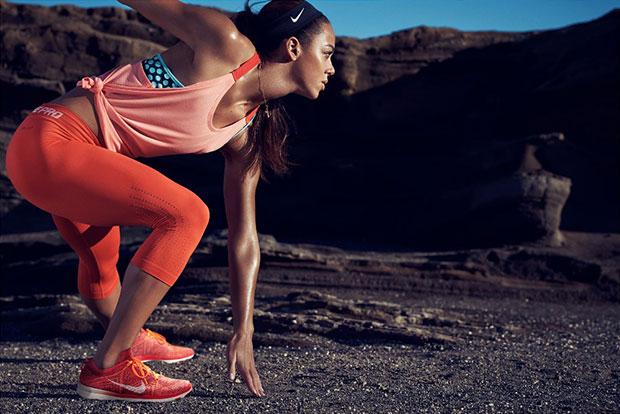 รองเท้าเทรนนิ่งที่ออกแบบสำหรับผู้หญิง