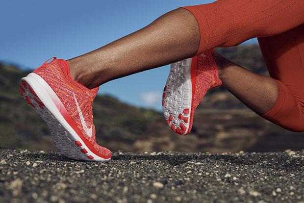 รองเท้าไนกี้ ฟรี ทีอาร์ 5 ฟลายนิต