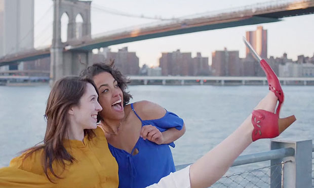 รองเท้า Selfie