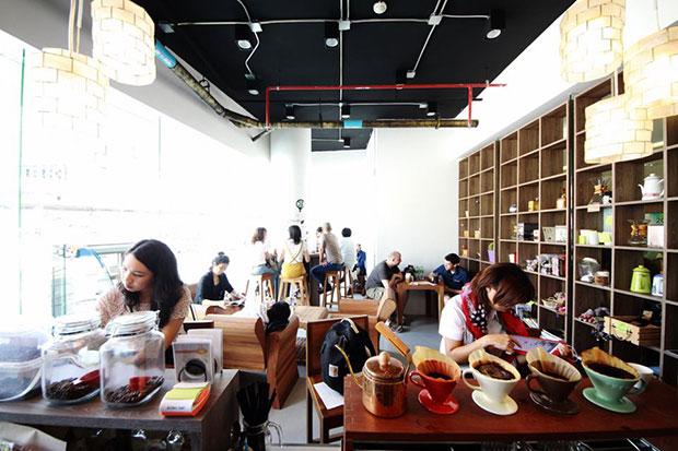 ร้านกาแฟแถวสถานีรถไฟฟ้าสนามกีฬาแห่งชาติ