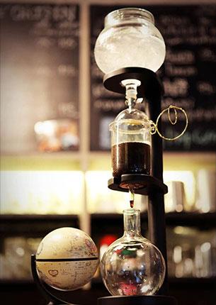 ร้านกาแฟ Gallery Coffee Drip แถวสถานีรถไฟฟ้าสนามกีฬาแห่งชาติ