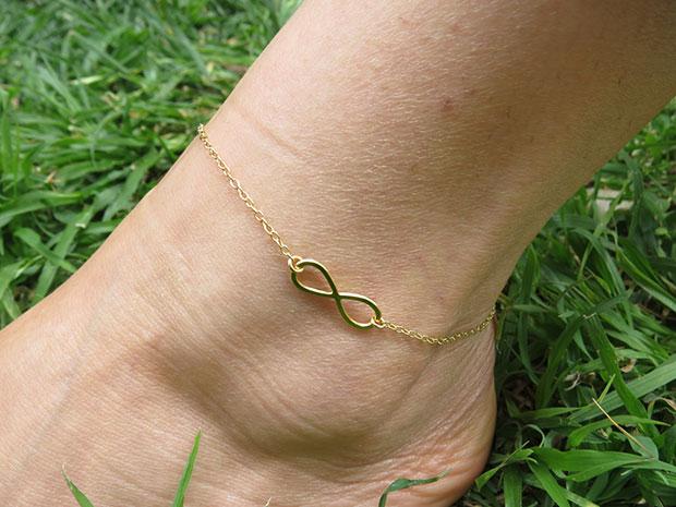 สร้อยข้อเท้ารูปอินฟินิตี้ สีทอง