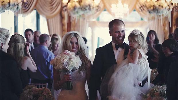 เจ้าบ่าวเจ้าสาวและลูกเลี้ยงในวันแต่งงาน
