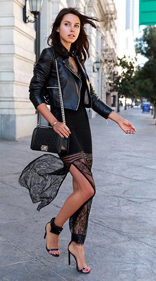 เดรสยาวสีดำซีทรู Magali Pascal, แจ็คเก็ตหนัง, รองเท้า Gucci Victoire, กระเป๋า Chanel