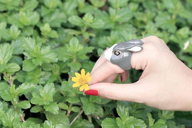 แหวนรูปกระต่าย สีเทา