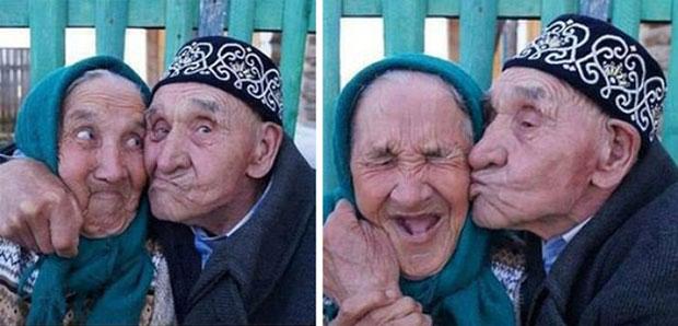 คู่รักสูงอายุน่ารักๆ.