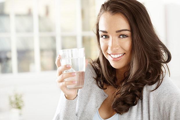 สาวๆควรดื่มน้ำก่อนนอน