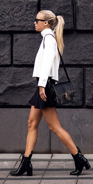 สเว็ตเตอร์คอเต่าสีขาว Zara, กระโปรงบานสั้นสีดำ Berska, รองเท้า Zara, กระเป๋า JFR, แว่นตากันแดด Ray Ban