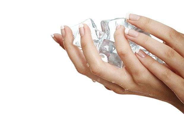 ใช้น้ำแข็งกระชับผิว