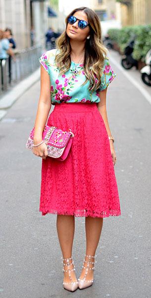 กระโปรง Midi ลายลูกไม้สีชมพู, เสื้อสีเขียวลายดอกไม้สีชมพู