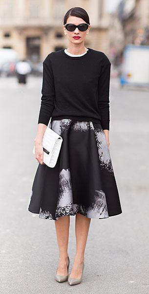 กระโปรง Midi สีดำ ลายสีป้ายสีขาว, เสื้อสีดำ