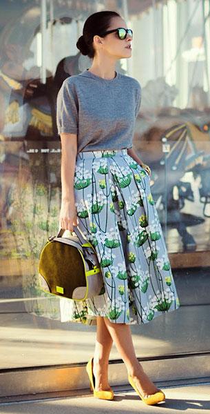 กระโปรง Midi สีเทาลายดอกไม้สีเขียว DIY, สเว็ตเตอร์สีเทา Ann Taylor, รองเท้าส้นสูง Shoemint, กระเป๋า Meredith Wendell