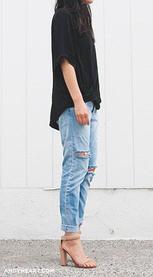 กางเกงยีนส์ขาดๆ H&M, เสื้อเชิ้ตสีดำ Topshop, รองเท้า Chloé