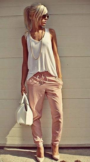 กางเกง Harem สีชมพู, เสื้อกล้ามสีขาว
