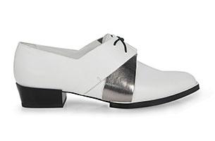 รองเท้าสีขาว Pedro