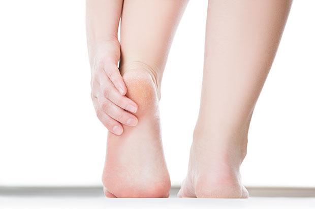 ส้นเท้าแตกและแห้งกร้าน ลองใช้เบคกิ้งโซดา