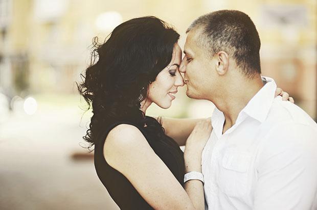 แนะนำวิธีหาคู่จากผู้หญิงที่มีความสุขในชีวิตคู่