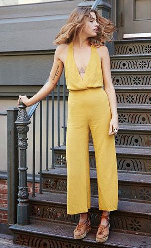 Jumpsuit สีเหลือง