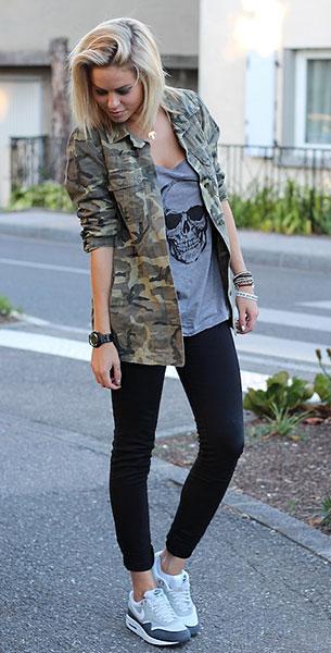 รองเท้า Nike Air Max สีขาวสีเทา, แจ๊คเก็ตลายทหาร Zara, เสื้อกล้ามสีเทา Billabong, กางเกงยีนส์สีดำ Pull & Bear