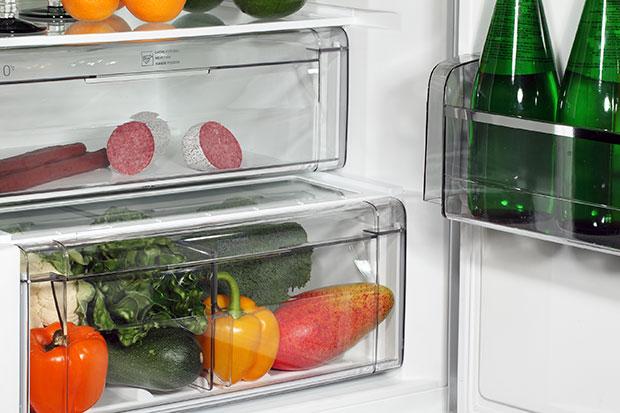 ลืมทำความสะอาดช่องลิ้นชักใส่ผักในตู้เย็น