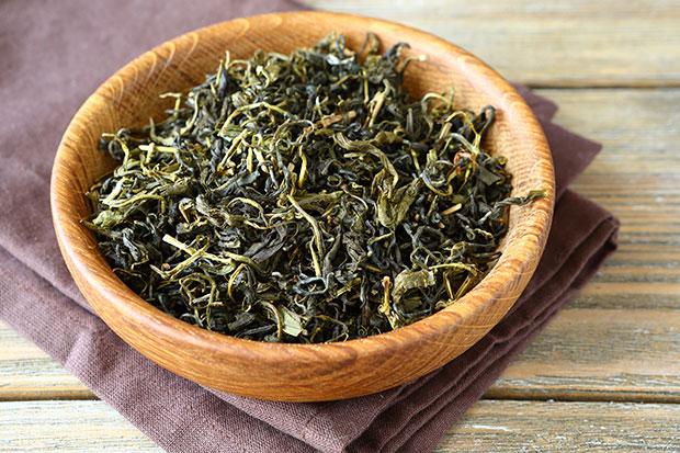 ชาเขียวสามารถกำจัดสิวหัวดำบนจมูก