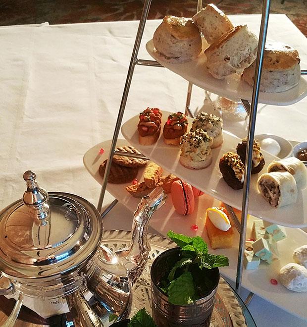 ทานขนมหวาน จิบน้ำชา โรงแรมอินเตอร์คอนติเนนตัล