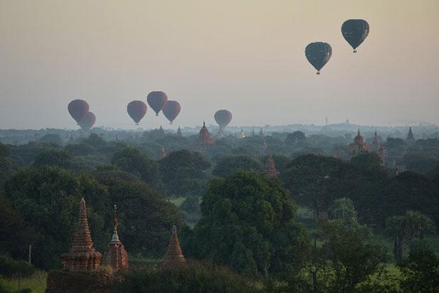 ขึ้นบอลลูนชมทะเลเจดีย์ ประเทศพม่า