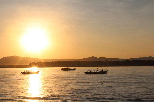 ชมพระอาทิตย์ขึ้น ประเทศพม่า