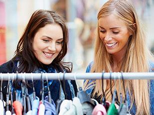 เลือกสีเสื้อผ้าให้ถูกโฉลกกับการไปสัมภาษณ์งาน เดทแรก และโอกาสอื่นๆ