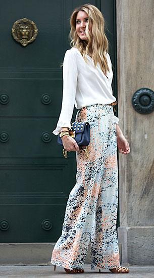 กางเกงขาบานลายปริ้นท์, เสื้อสีขาว