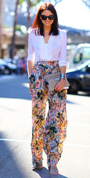 กางเกงขาบานลาย, เสื้อแขนยาวสีขาว