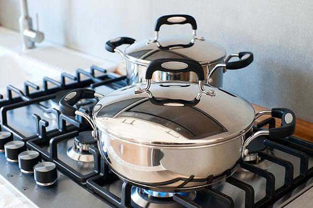 เครื่องครัวที่อาจก่อให้เกิดอันตรายต่อสุขภาพได้