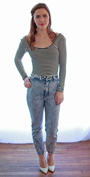 กางเกงยีนส์ฟอก Bellini Soiree, เสื้อยืดแขนยาวลายขวางสีขาวดำ
