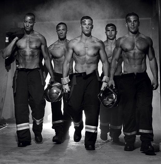 ปฏิทินนักดับเพลิงเพื่อการกุศล