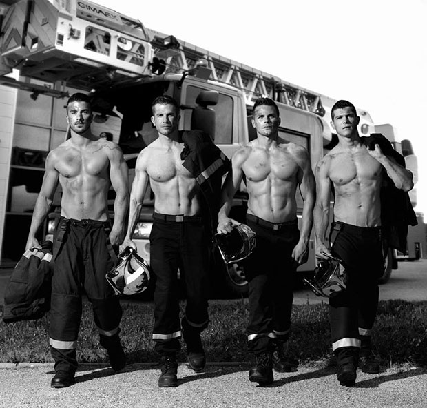 ปฏิทินภาพนักดับเพลิง