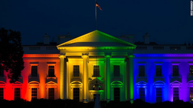 มีการบังคับใช้กฎหมายให้เพศเดียวกันแต่งงานกันได้ในสหรัฐ