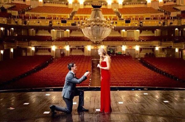 รูปถ่ายการขอแต่งงาน
