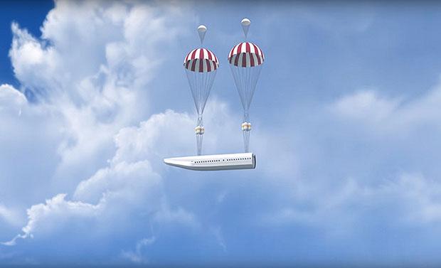 เครื่องบินลำนี้สามารถแยกชิ้นส่วนที่เป็นห้องโดยสารออกได้ในกรณีที่มีเหตุฉุกเฉิน