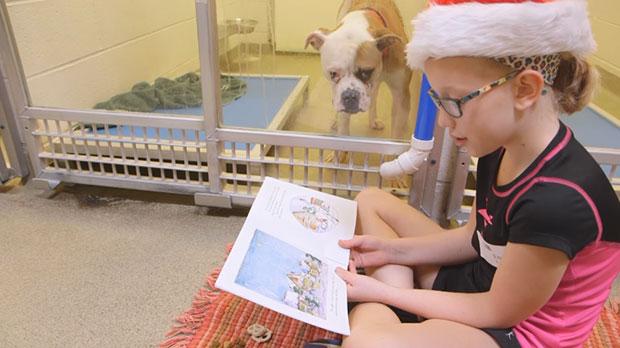 เด็กๆอ่านหนังสือให้หมาฟัง