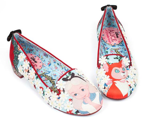 รองเท้า Curiouser