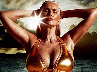 เปิดตัวนางแบบชุดว่ายน้ำรุ่นเก๋าใน Sports Illustrated