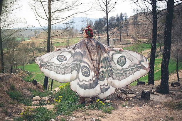 ผ้าพันคอปีกผีเสื้อนี้จะทำให้ดูราวกับว่ามีปีกจริงๆ