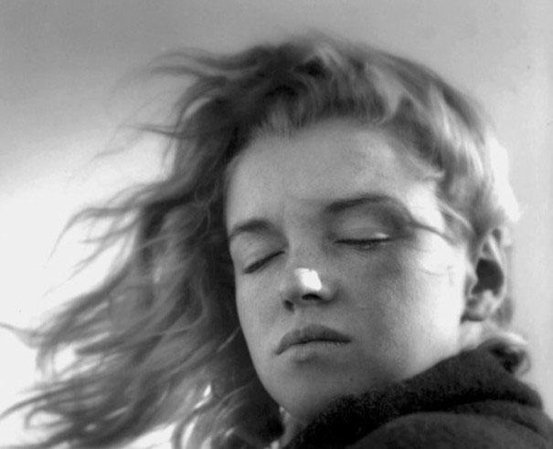 ภาพถ่ายตอนอายุ 20 ปีของ มาริลีน มอนโร