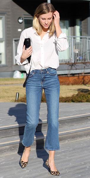 กางเกงยีนส์ขาเต่อ Weekday, เสื้อเชิ้ต H&M, รองเท้า Michael Kors, กระเป๋า Celiné
