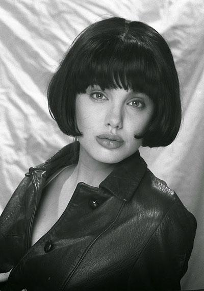 ภาพ แองเจลิน่า โจลี ตอนอายุ 15