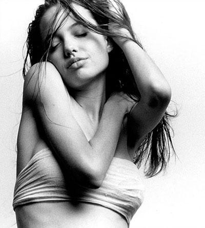 รูปถ่าย แองเจลิน่า โจลี ตอนอายุ 15 ปี