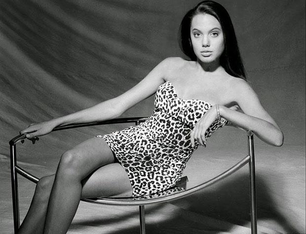 รูปภาพ แองเจลิน่า โจลี อายุ 15 ปี