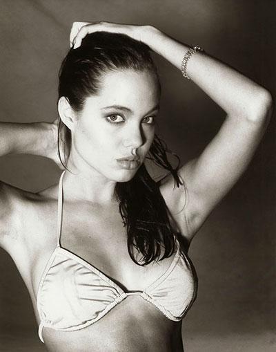 รูป แองเจลิน่า โจลี ตอนอายุ 15