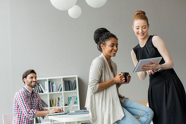 ควรทำงานกับเพื่อนหรือทำงานให้เพื่อนหรือไม่